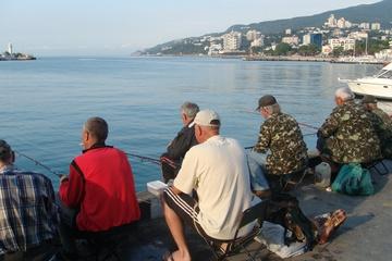 Рыбаки давно не спят