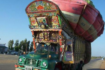 heavy_loaded_pakistan_truck.jpg