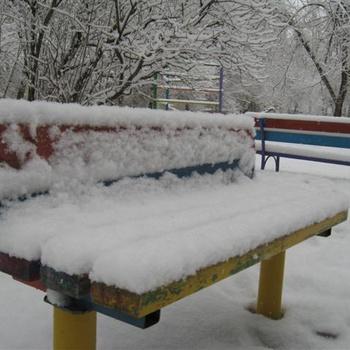 Накануне праздника. И выпал снег.