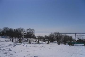 Хаб. Берег Амура. Немного налево, вниз по реке, - и сразу Китай.