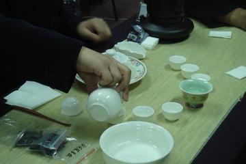 Китайский Мастер объясняет нам секреты чая и чайной церемонии