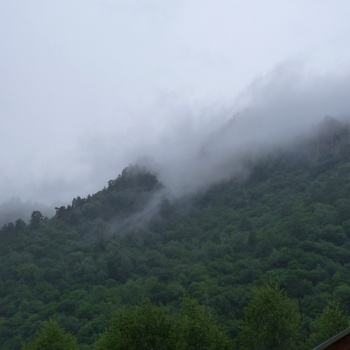Облака в Аксауте