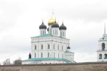 PskovkiyKreml.jpg