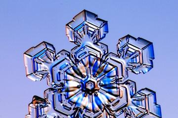 pica4u.ru_1213679678-snow-flakes-22.jpg